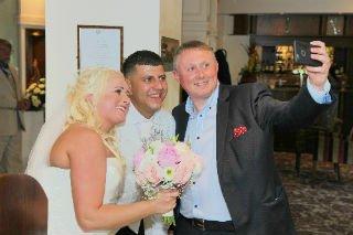 Darren Robinson Wedding Magician with Couple
